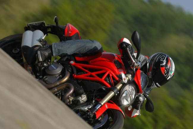 Ducati Monster 1100 EVO: video test